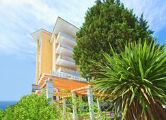 太阳神酒店-皇宫酒店及温泉 - 玫瑰港市 - 建筑