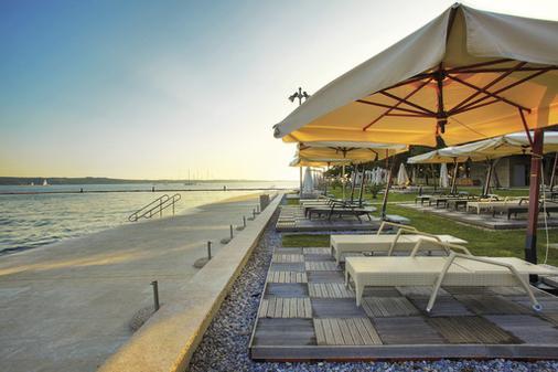 阿波罗 4 星级顶级养生酒店 - 莱夫库拉斯水疗中心酒店 - 波爾托羅 - 海滩