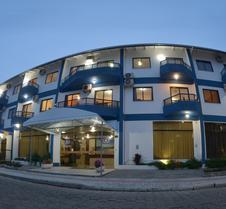邦比尼亚斯宫酒店