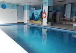 威瑟尔酒店 - 弗罗茨瓦夫 - 游泳池