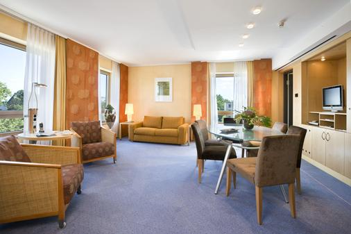 雷马克施泰根博阁酒店 - 奥斯纳布吕克 - 酒吧