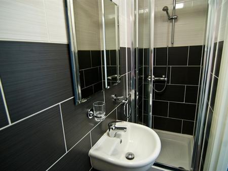 GRN康福特尔酒店 - 伦敦 - 浴室