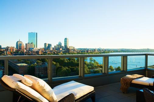 波士顿自由酒店 - 波士顿 - 阳台