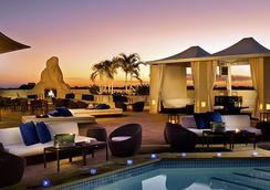 梅费尔水疗酒店 - 迈阿密 - 游泳池