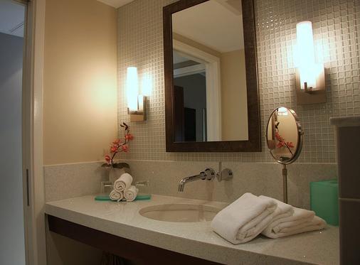 兰花基旅馆 - 基韦斯特 - 浴室
