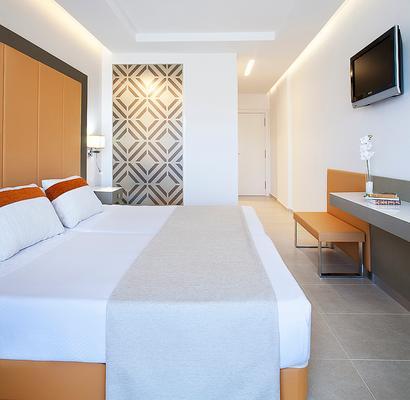 托瑞德尔玛酒店 - 伊维萨镇 - 睡房