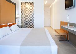 托雷玛尔酒店 - 伊维萨镇 - 睡房