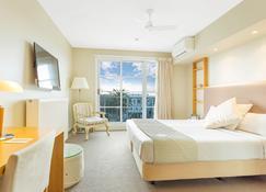 深蓝温泉酒店 - 瓦南布尔 - 睡房
