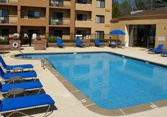 普瑞米尔中心万怡酒店 - 亚特兰大 - 游泳池