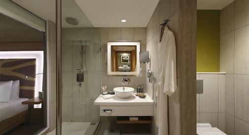 钦奈西普克特诺富特酒店- 雅高集团品牌 - 金奈 - 浴室