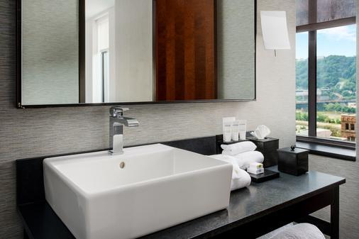 匹兹堡希尔顿Curio Collection迪斯卓克特酒店 - 匹兹堡 - 浴室