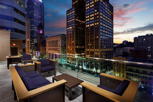 匹兹堡希尔顿Curio Collection迪斯卓克特酒店 - 匹兹堡 - 阳台