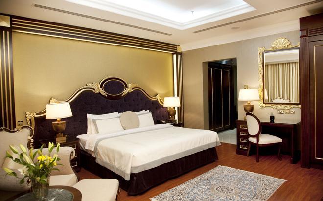 阿尔巴沙怡东大酒店 - 迪拜 - 睡房