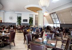 阿尔巴沙怡东大酒店 - 迪拜 - 餐馆
