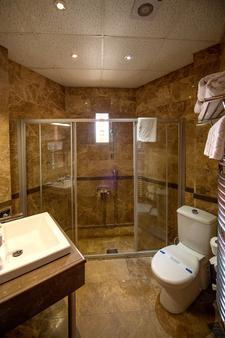 阿格瓦韦博特山林小屋酒店 - 赛尔 - 浴室