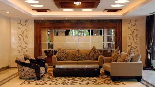 安塔利亚奥兹水疗度假酒店 - 安塔利亚 - 大厅