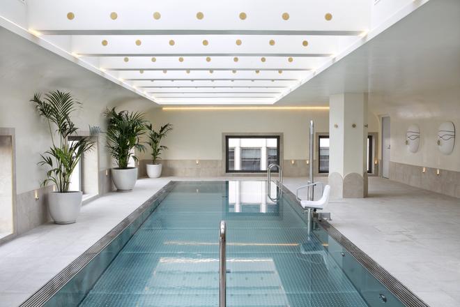 马德里巴塞罗托雷酒店 - 马德里 - 游泳池