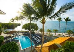 鹈鹕湾滨海度假酒店 - 伊斯拉莫拉达 - 游泳池