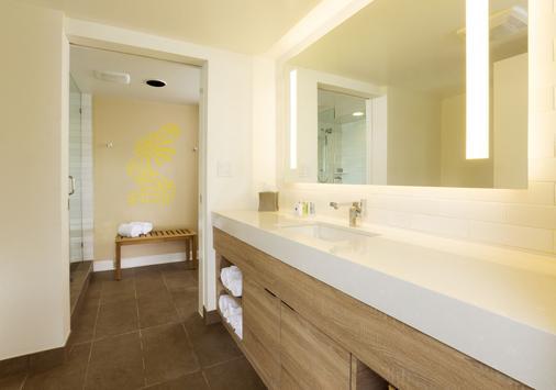 鹈鹕湾度假村和滨海酒店 - 伊斯拉莫拉达 - 浴室