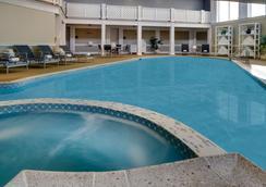 维京酒店 - 纽波特 - 游泳池
