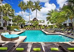 玛格丽塔维尔基韦斯特滨海度假酒店 - 基韦斯特 - 游泳池