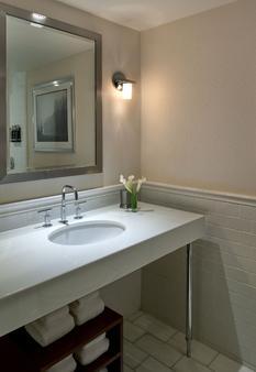 波士顿雷迪森酒店 - 波士顿 - 浴室