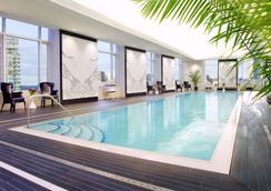 阿德莱德酒店多伦多酒店 - 多伦多 - 游泳池