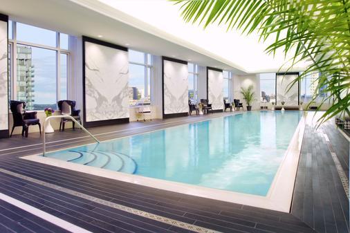 多伦多特朗普国际大厦酒店 - 多伦多 - 游泳池