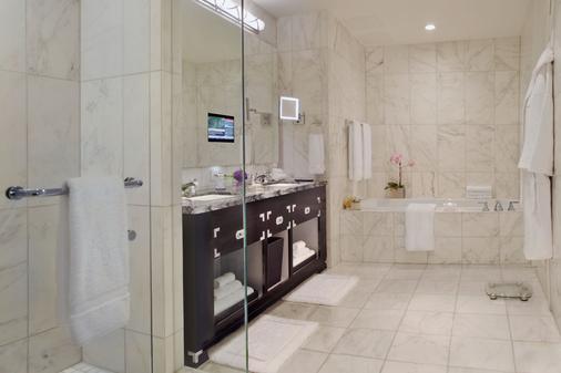 多伦多特朗普国际大厦酒店 - 多伦多 - 浴室