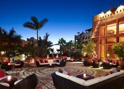 阿巴马丽思卡尔顿酒店 - 吉亚德索拉 - 酒吧