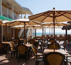 激流海滨酒店