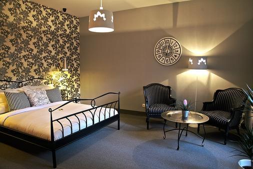 月亮花园艺术酒店 - 维尔纽斯 - 睡房