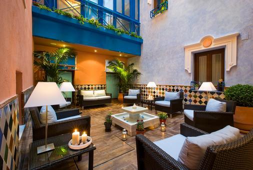 格兰大道44号套房酒店 - 格拉纳达 - 露台