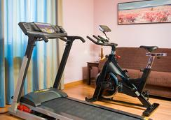 格兰大道44号套房酒店 - 格拉纳达 - 健身房