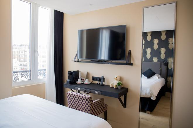拉瓦利兹酒店 - 里尔 - 睡房