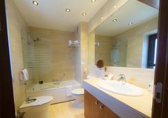 圣胡安德洛斯雷耶斯酒店 - 托莱多 - 浴室