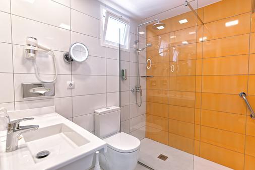 Bull Escorial & Spa - 马斯帕洛马斯 - 浴室