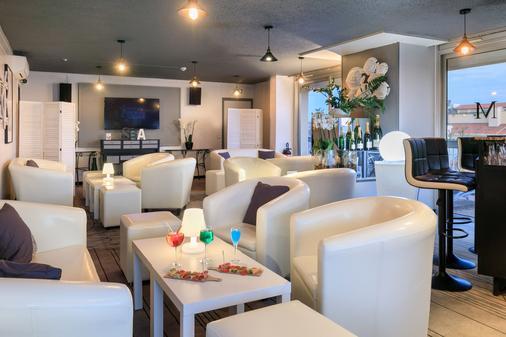 品质门顿地中海酒店 - 芒通 - 酒吧