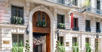 巴黎佛陀酒吧酒店 - 巴黎 - 建筑