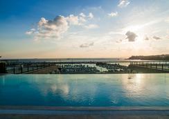 伊斯坦布尔温德姆卡拉墨斯海滨大酒店 - 伊斯坦布尔 - 游泳池