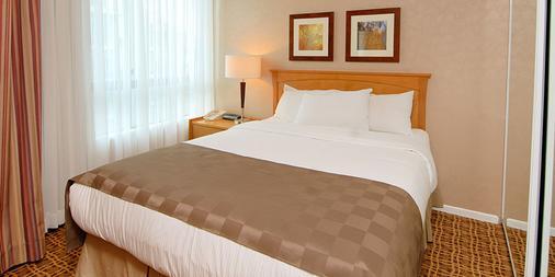 兰蒂斯套房酒店 - 温哥华 - 睡房
