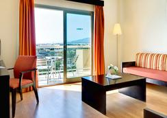 Cabogata Mar Garden Hotel & Spa - 阿尔梅利亚 - 睡房