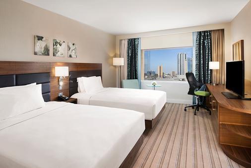 希尔顿哈伊马角酒店 - 拉斯海玛 / 哈伊马角 - 睡房