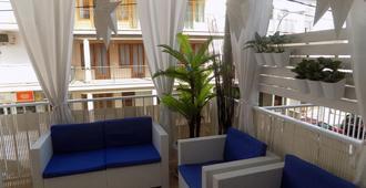 玛如织别墅酒店 - 埃尔阿雷纳尔 - 阳台