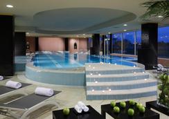 罗马万豪公园酒店 - 罗马 - 游泳池