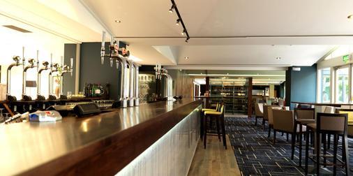 埃文河畔斯特拉特福皇冠假日酒店 - 斯特拉特福 - 酒吧