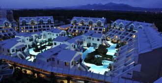 苏塞茜豪华度假酒店 - 式 - 贝莱克 - 建筑