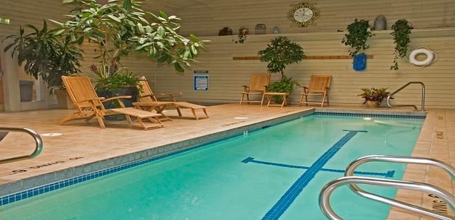 景观道路酒店 - 杰克逊 - 游泳池