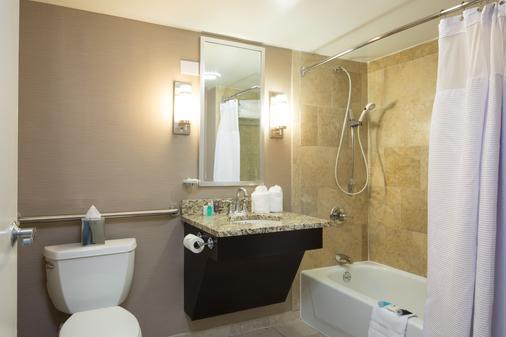 孟菲斯市中心皇冠假日酒店 - 孟菲斯 - 浴室