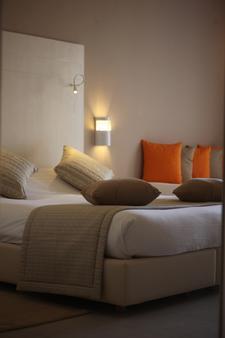 西贝尔莱姆海滩酒店 - 米多恩 - 睡房